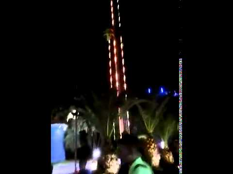 Terrifying moment cable on slingshot ride SNAPPED