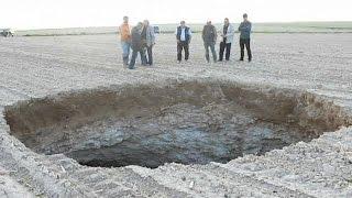 Konya'da 70 metre derinliğinde obruk oluştu