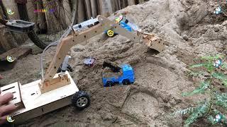 máy xúc đất mini tự chế múc cát - Excavator videos for children