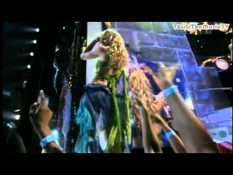 Britney Spears-I'm A Slave 4 U(2001 MTV VMA HD 720p)