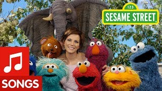 Sesame Street: Elmo and Martina McBride Sing About Pretending