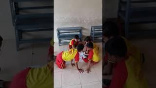 Permainan sederhana : Bermain ulartangga versi olahraga SDN Simomulyo VII /104 Surabaya