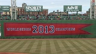 Red Sox receive World Series rings and raise banner