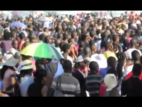 South Africa - Durban - Beaches - Black Flag - Tourist Mecca.wmv - YouTube.flv