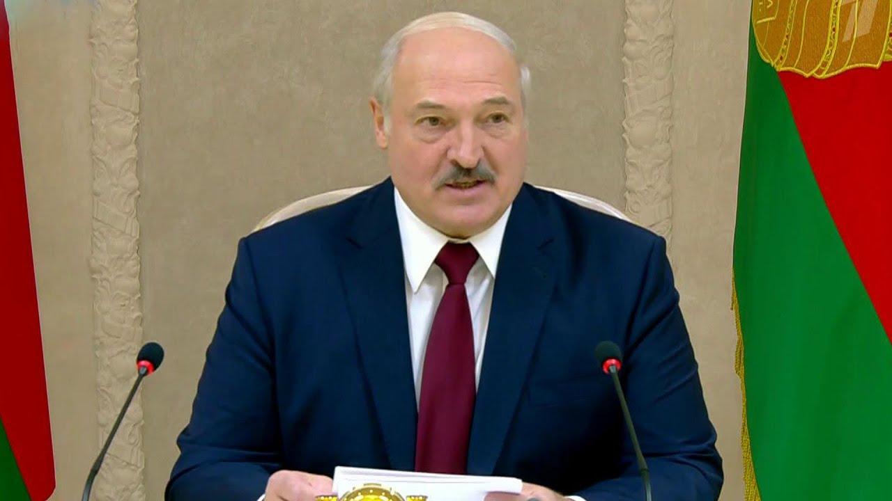 Александр Лукашенко дал интервью политическим обозревателям СНГ