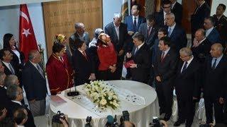 Bingöl Belediye Başkanlığını ziyaret eden Cumhurbaşkanı Gül, nikâh törenine katıldı-19.04.2013