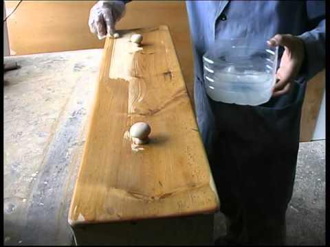 Como restaurar una vieja mesa de cocina 2 parte youtube for Como restaurar una mesa de madera