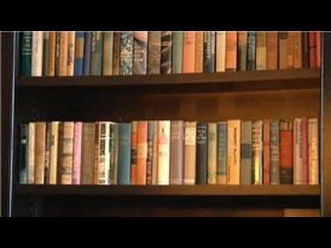 Design Tips : How to Decorate With Antique Books
