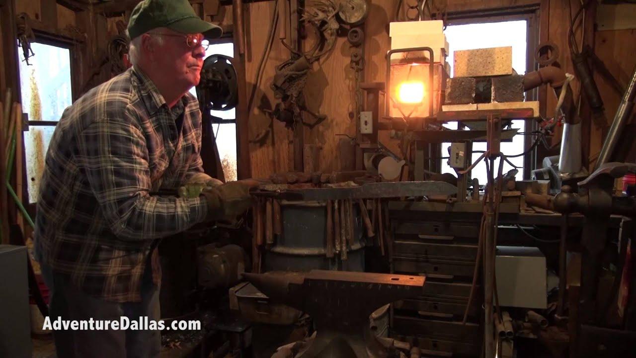 vj mccrackin forging 5160 spring steel in to a knife