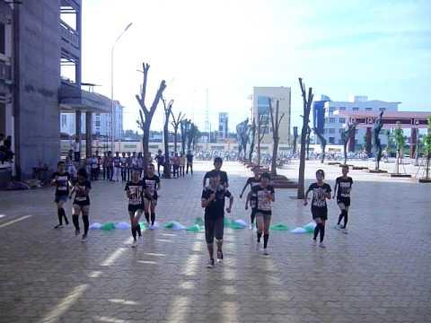 Thể dục nhịp điệu chung kết lớp Văn K17 Phan Thiết Bình Thuận