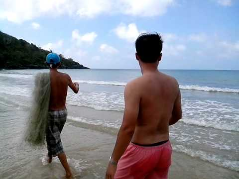 Thả lưới đánh bắt cá tại bãi Đầm Trầu - Côn Đảo (P1)