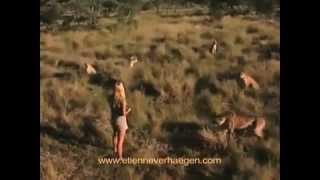 Девчёнки совсем не боятся хищников! ЖИВОТНЫЙ МИР