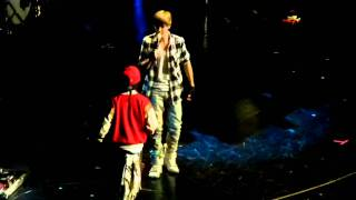 Justin Bieber and Jaden Smith  teach me how to dougie/jerk NY z100 JINGLE BALL 12/10/2010 MSG