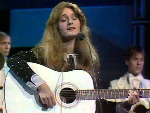 Eurovision Song Contest 1982 - Germany - Nicole - Ein bisschen Frieden [HQ]