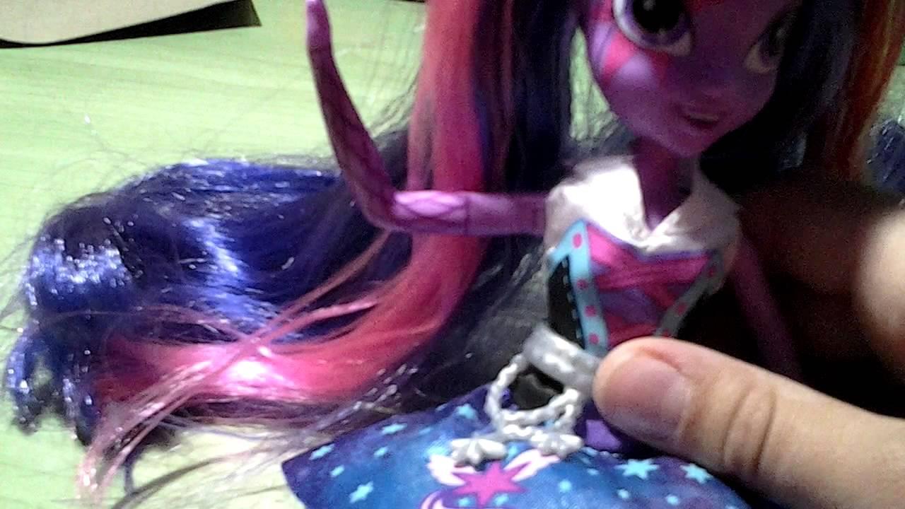 Серия мой маленький пони: девочки эквестрии. Миниатюрные куклы. Набор для спальни. Больше. Набор мини-кукол флаттершай «школьное кафе» из серии «мой маленький пони/девочки из эквестрии». Больше. Серия мой. Миниатюрные куклы. Набор