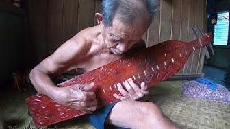 Master Sape' Dayak Kenyah Pui Majan Kasit (Salah Satu Guru Uyau Moris)