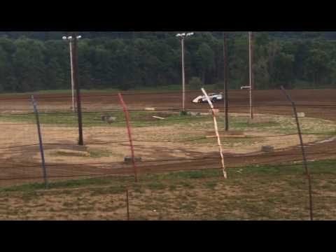 Heat race Dog hollow speedway 7-29-16
