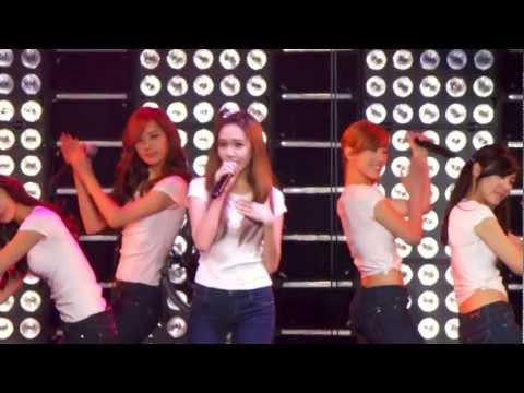 SNSD - Gee @ Live In Madison Square Garden