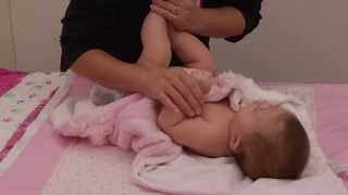 Download lagu A Holistic Health Specialist's Tips on Giving a Newborn Massage