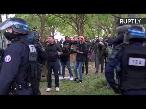 Nouvelle manifestation contre le meeting de Marine Le Pen à Paris (Direct du 17.04)