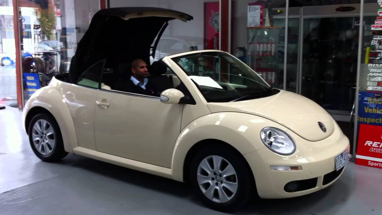 VW BEETLE CONVERTIBLE ROOF OPERATION - YouTube