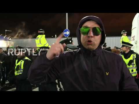 UK: Spartak Moscow fans welcomed by Glasgow bobbies for Rangers tie