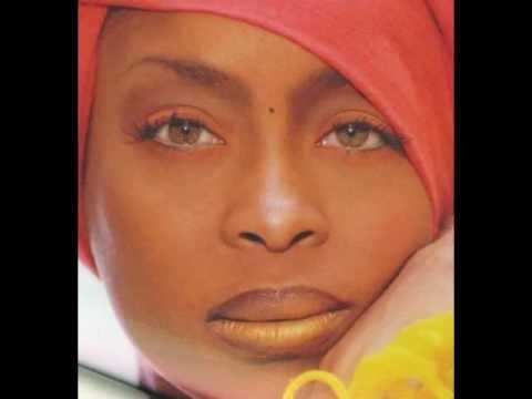 """ERYKAH BADU """"On & On"""" (Summer In Sydney Remix) 2004"""