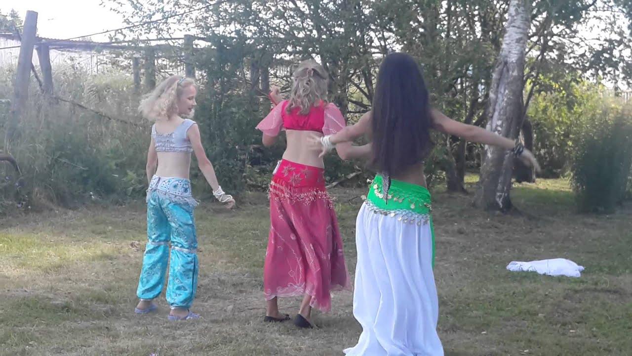 его девки на танцах в деревне видео код, который