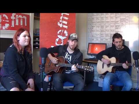 Stone Broken - The only thing I need, Doesn't matter & Heartbeat away: Voice FM Acoustic Sessions