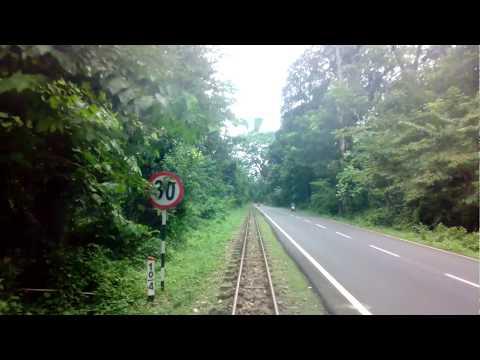 The 2 feet Darjeeling Himalayan Railway ..
