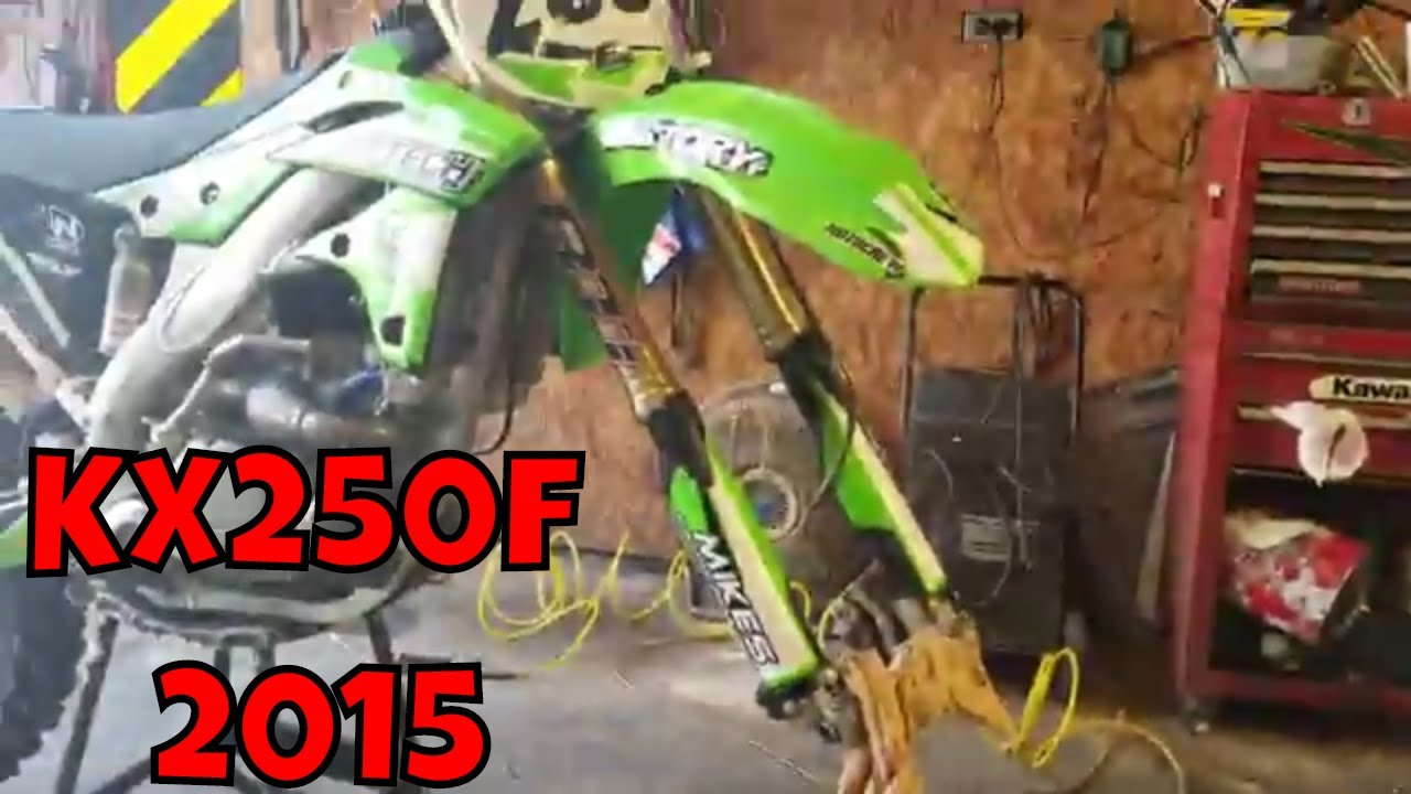 Kawasaki KX250f 2015 - Repairing the Right Side Fork Seal - Showa SFF