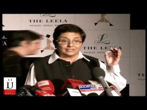 Pooja Bedi, Nimrat Kaur & Kiran Bedi At Lo'real Paris Femina Awards
