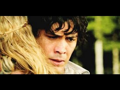 The 100 Bellamy And Clarke Kiss 2x16