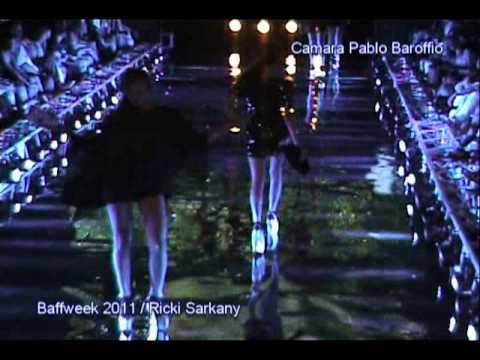 Desfile Sarkany famosos.mpg