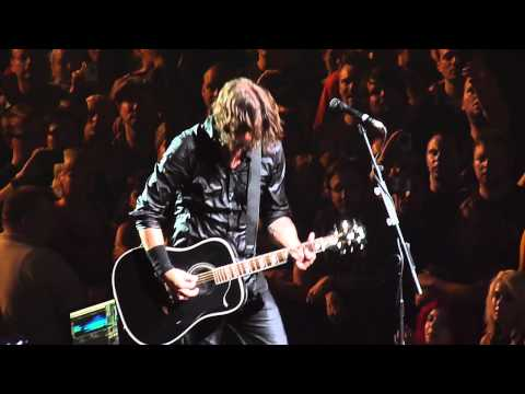 Foo Fighters - Wheels (acoustic - live) HQ