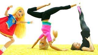 Школа гимнастики Барби - Первая ученица Супер Герл