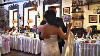 Первый танец молодых на свадьбе Диниса и Киры