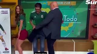 Dünya Kupası'nda şans getirmesi için Yanet Garcia'nın poposunu tekmelediler.