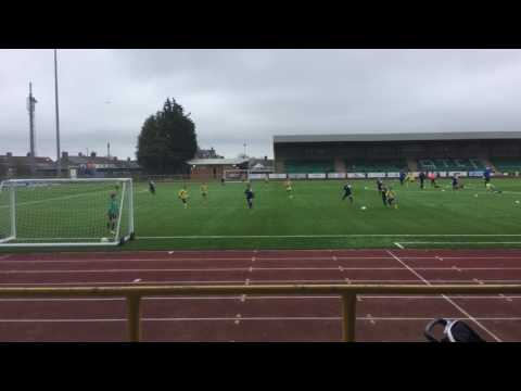 Gol Llywelyn am yr academi Y Barri 12 Mawrth 2017 / Llywelyn's goal for the Barry Academy u10s