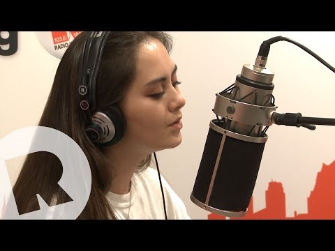 Jasmine Thompson - Passionfruit (Drake Cover) / Live & Unplugged
