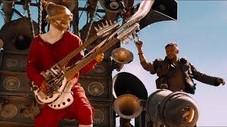 Слепой гитарист и убийство Джо — «Безумный Макс: Дорога ярости» (2015) сцена 10/10 HD
