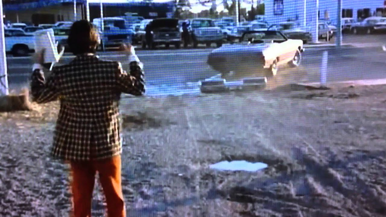 Used Cars, 2 funny scenes with the ditch - YouTube