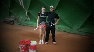 Jennifer Osann und Sebastian Weisz im Training - Wintertraining in der Sandplatz Tennishalle Usingen