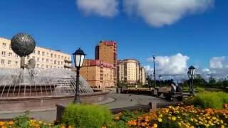 Городской фонтан на главной площади города Ломоносов, ул. Александровская