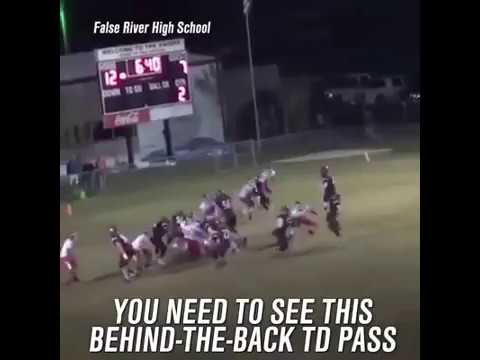 High School Football QB Throws Crazy Behind-The-Back Touchdown Pass