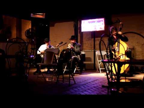 Cafe Beignet at Musical Legends Park - the trio