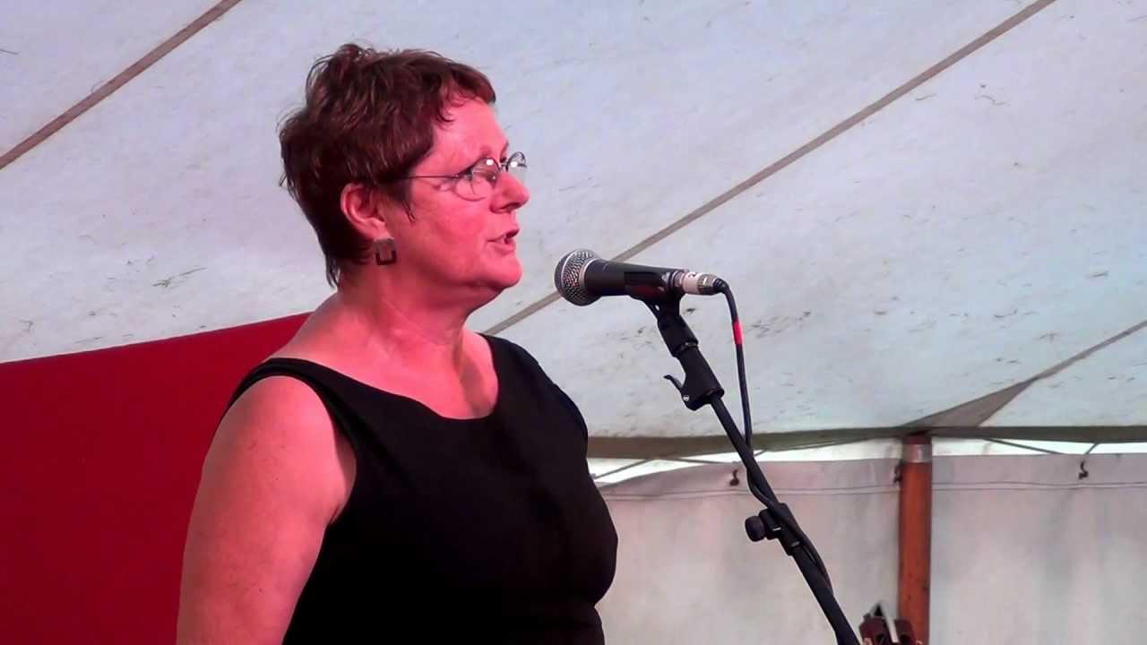 Judy Dunlop@Moira Furnace Folk Festival 2012 - YouTube