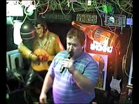 HDL singt  Les Neiges de Kilimandjaro im Karaoke Fun Pub Stuttgart http://www.funpub.de