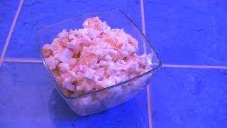 Салат с апельсином, сыром, чесноком