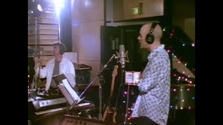 Short promotional version of the 1996 documentary of the band R.E.M...